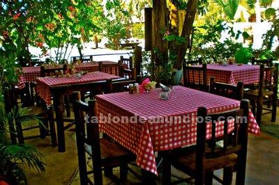 Restaurante de buena reputación, con vivienda, en rinconada, puerto escondido, $ 550 000 n